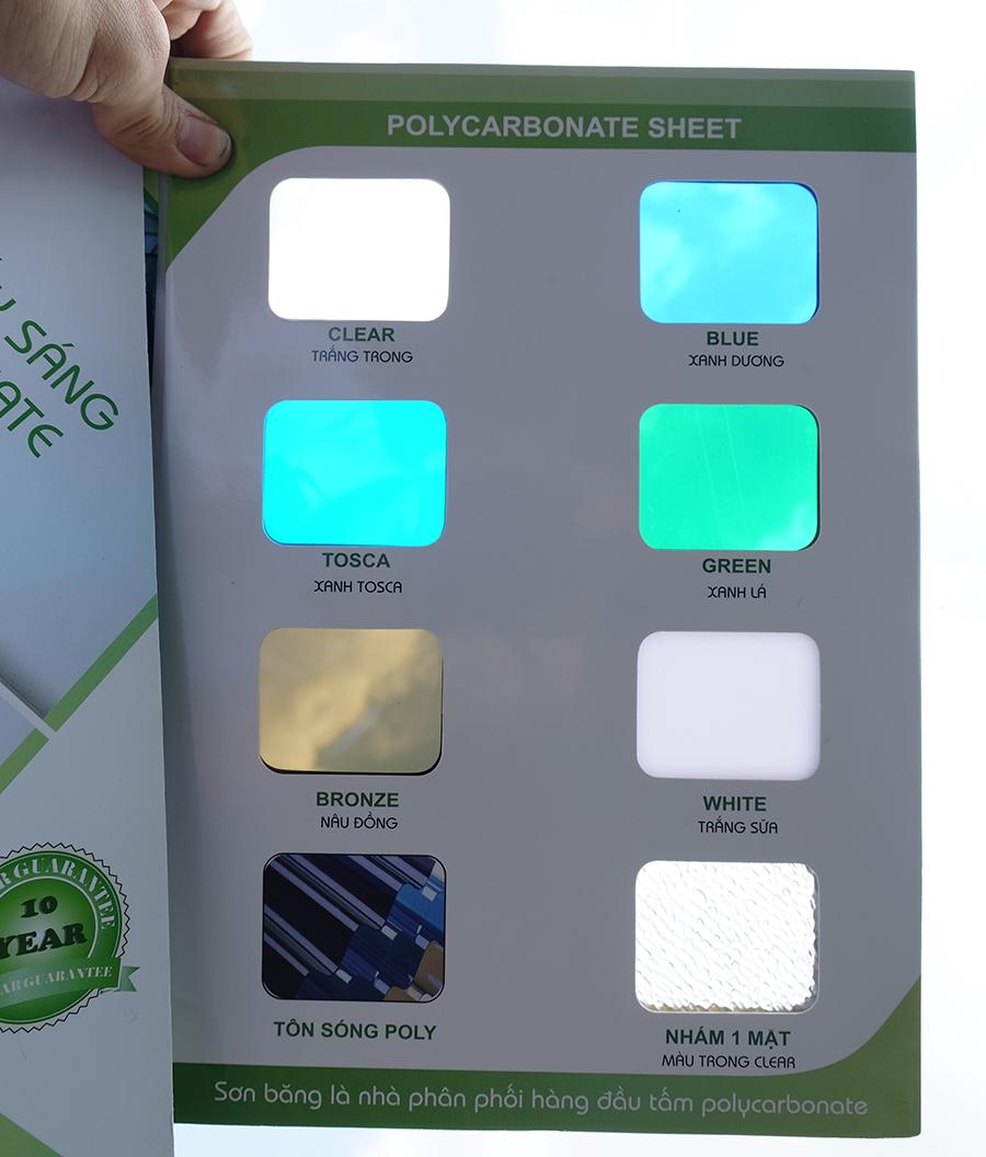 bảng mã màu tấm nhựa lấy sáng polycarbonate đặc