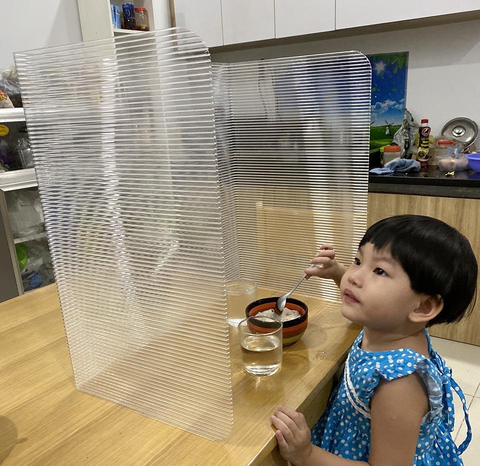 luồng chia bàn ăn cho bé
